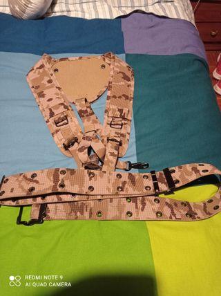 ropa militar, trincha pixelada aridas