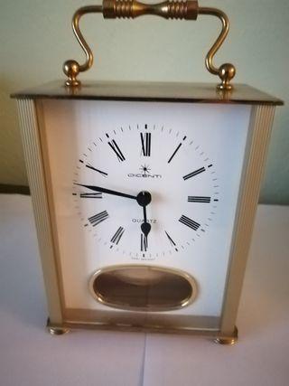 Reloj sobremesa marca Dicenti Quartz
