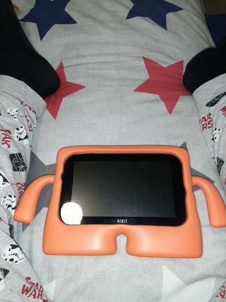 Tablet AIRIS + estuche de protección