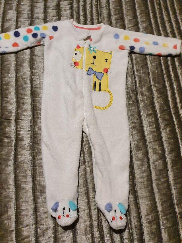 Pijama 12-18 meses súper calentito