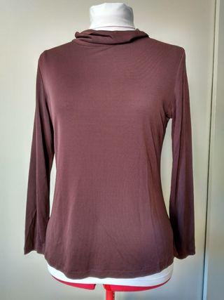 blusa marrón de Adolfo Dominguez