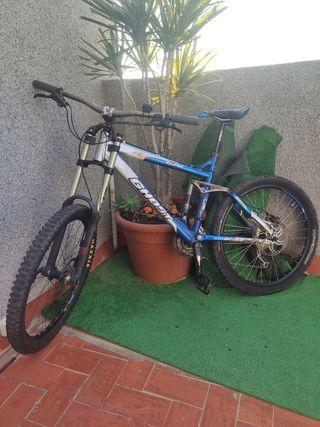 Bicicleta Ghost enduro