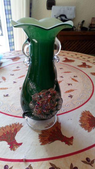 jarrón de cristal muy bonito