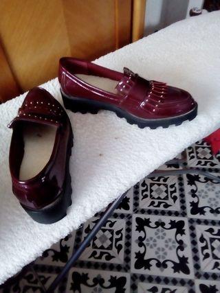 zapatos de charol burdeos n 37