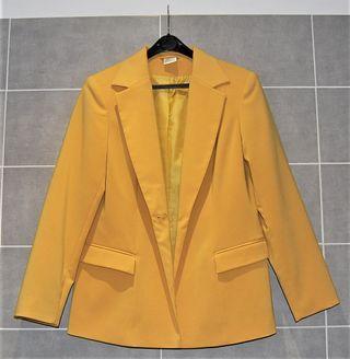 Americana / blazer color mostaza Talla 40