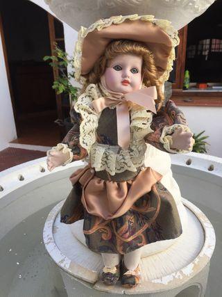 Muñeca porcelana colección Ramón Ingles