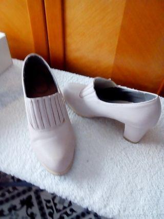 zapatos beis nuevos n 37