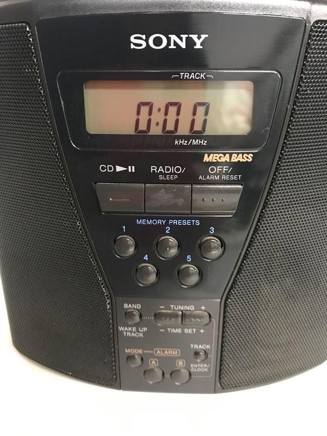 RADIO CD's CLOCK DE SONY