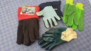 Tres pares de guantes para calor y trabajo