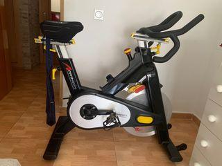 Bicicleta estática indoor profesional.