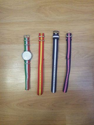 Reloj con correas
