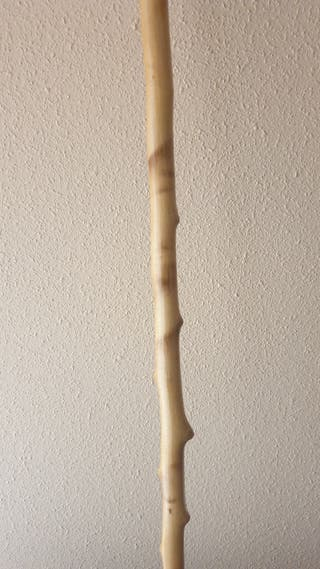 Bastón de madera natural