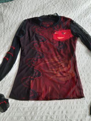 Camiseta, de Paramita