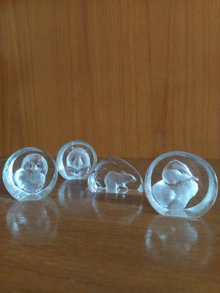 Figuritas de cristal en relieve