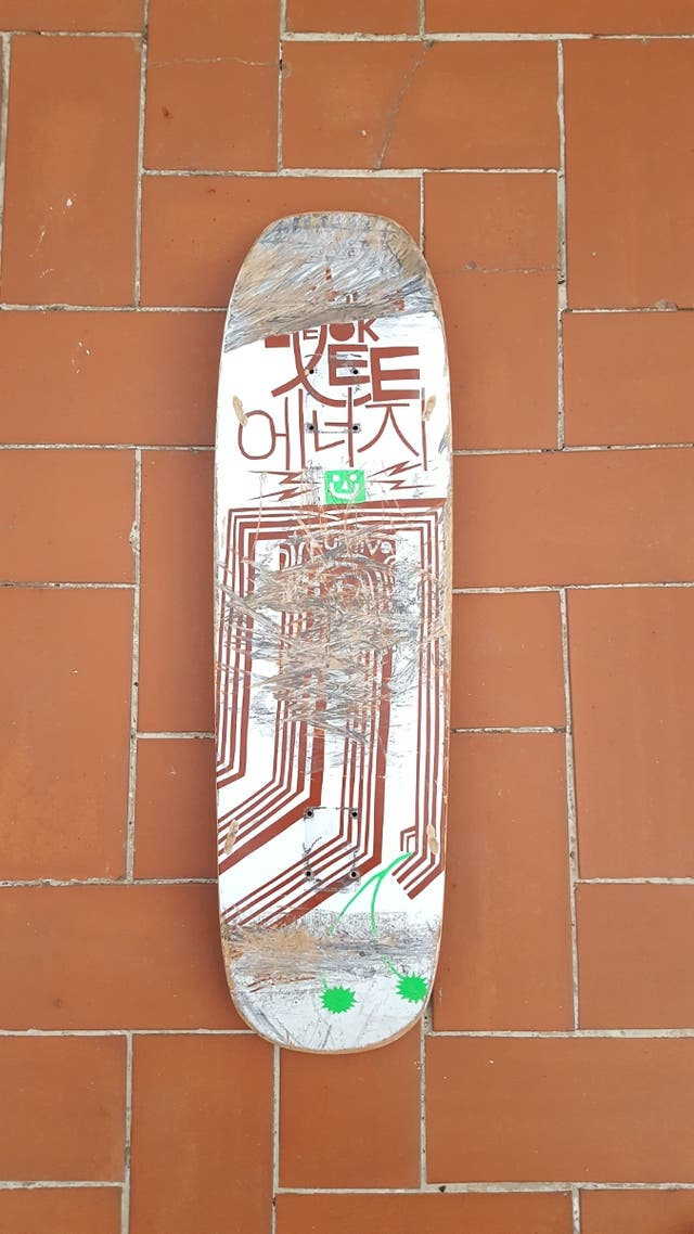 "Tabla de skate Furtivo de 9"" de ancha"