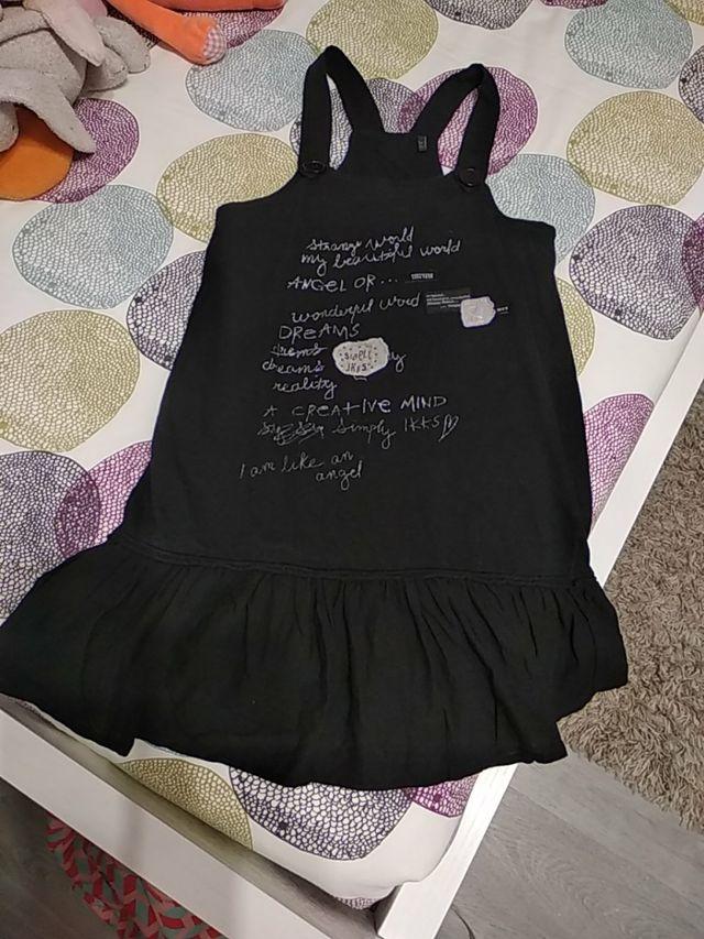 Vestido-pichie negro niña. Talla 8 años. IKKS.