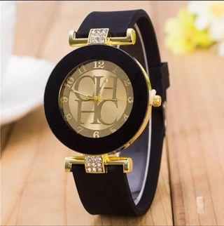 Reloj CH sport negro.