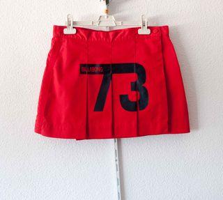 Falda Billabong roja - talla M - como nueva