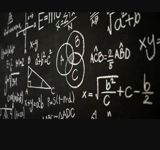 Ingeniero titulado da clases de matemáticas, físic