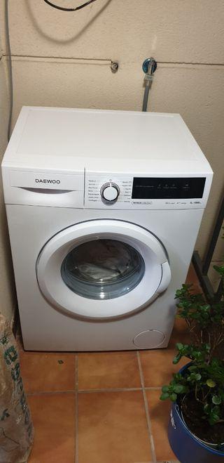 lavadora daewoo 6kg , 1000RPM, A+++