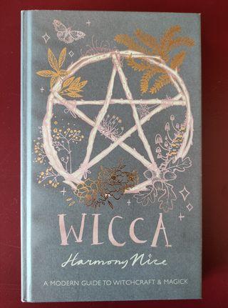 Libro Wicca - Harmony Nice (en inglés)