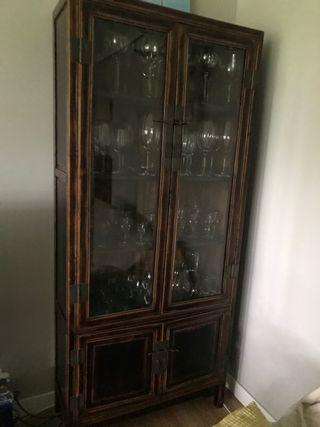 Armario vitrina chino