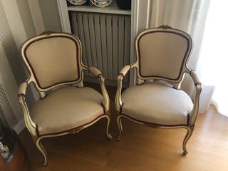 Pareja de sillas estilo Luis XV tapizadas