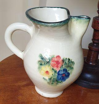 Jarra de cerámica de La Bisbal