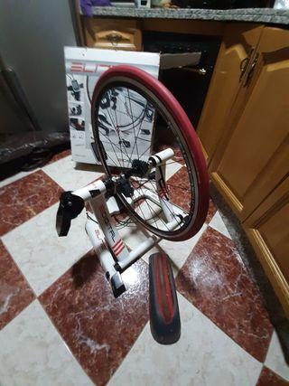 rodillo elite digital con rueda de entrenamiento
