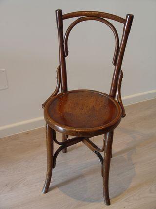 Antigua silla estilo Thonet