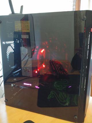PC gaming( caja+teclado+raton) SIN PANTALLA!