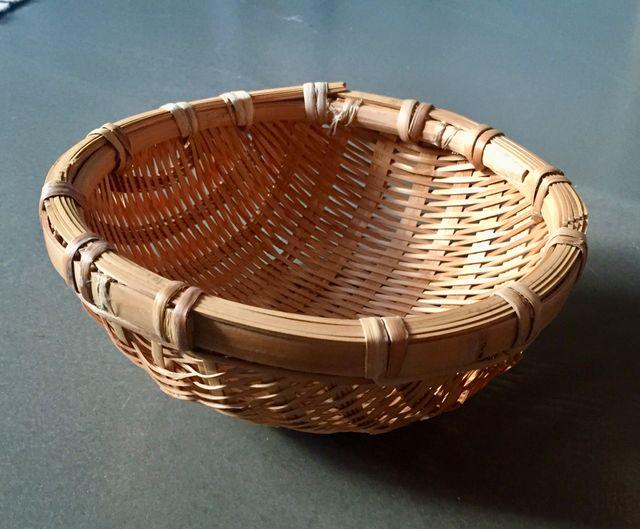 panier rond ou passoire en bambou diamètre 20 cm