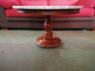 Mesa de centro de madera y mármol
