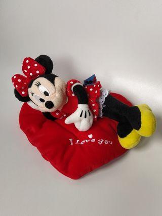 Peluche Minnie y cojín corazón Disney nuevo