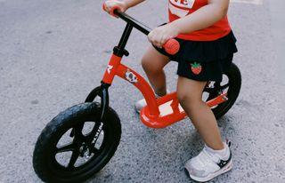 bicicleta sin pedales niña y ninos