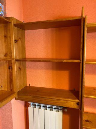 Estanterías de madera de pino 3 baldas y zócalo