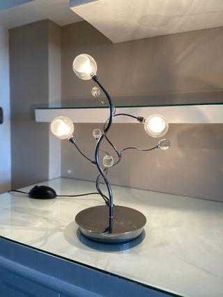 Lámpara diseño de mesa regulable de luz