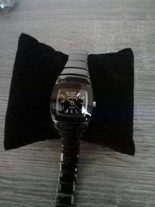 Reloj de mujer en color negro totalmente nuevo