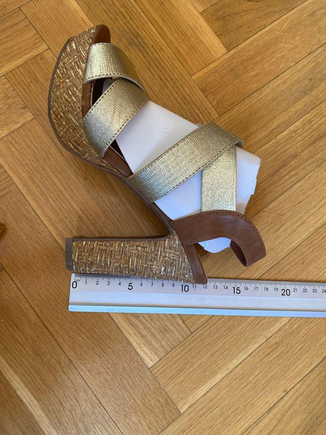 Sandalias doradas Marypaz 37