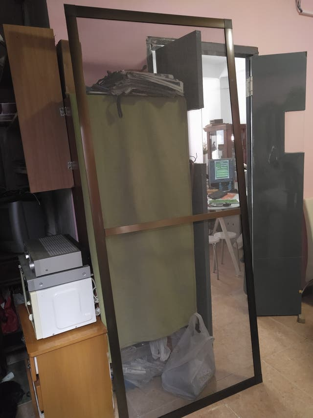 Puerta mosquitera en aluminio bronce