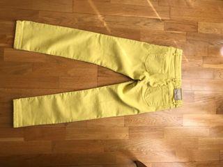 Pantalón tejano amarillo