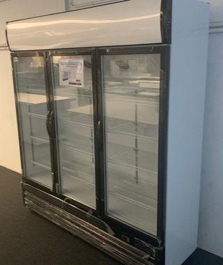 armario expositor 3 puertas refrigerada