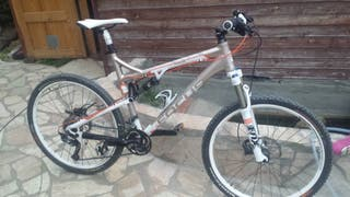 Bicicleta mountain bike focus 27,5 doble