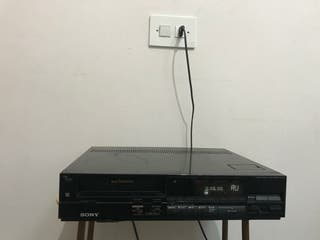video casette recorder SONY superBETAMAX SL-F90
