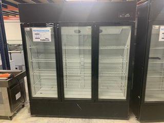 armario de tres puertas refrigerado