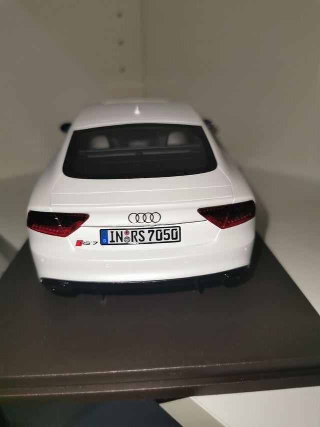 Audi RS7 1/18