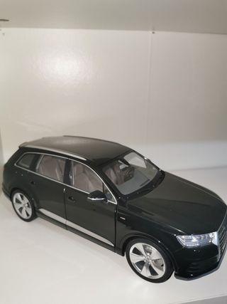 Audi Q7 1/18