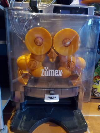 Exprimidor de naranjas en perfecto estado