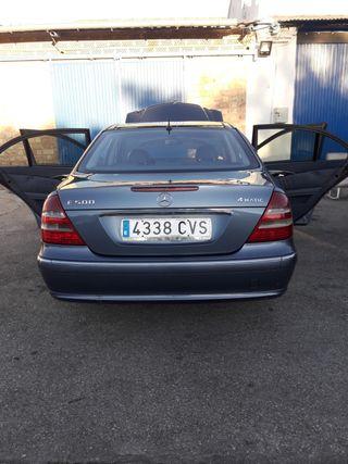 Mercedes-Benz E500 2004