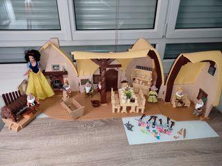 Casa de los 7 enanitos + muñeca de Blancanieves